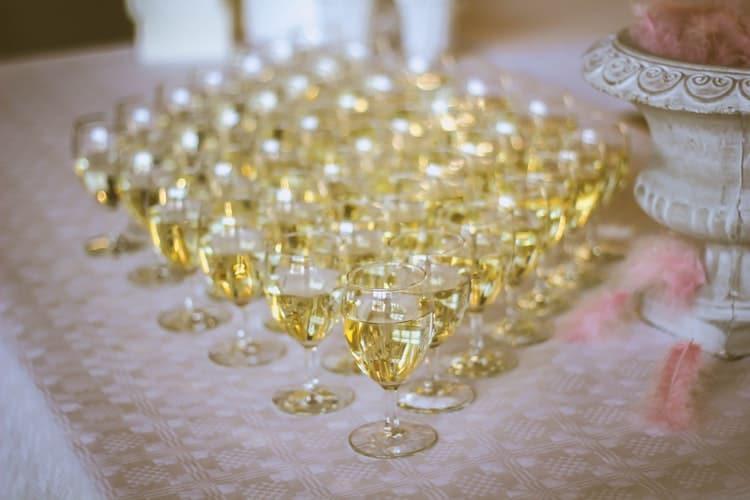 Light & Zesty White Wine