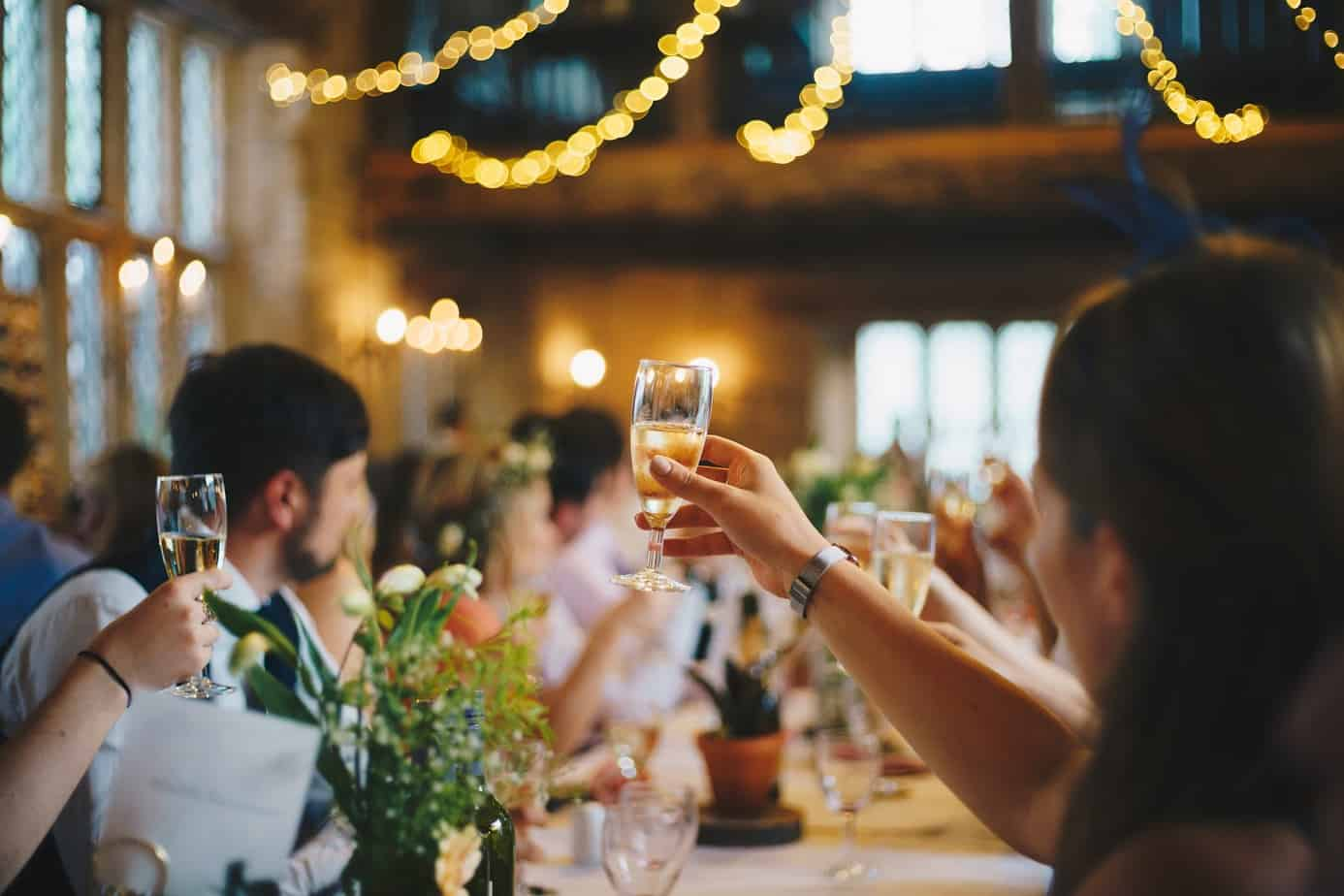 champagne vs sparkling wine cost
